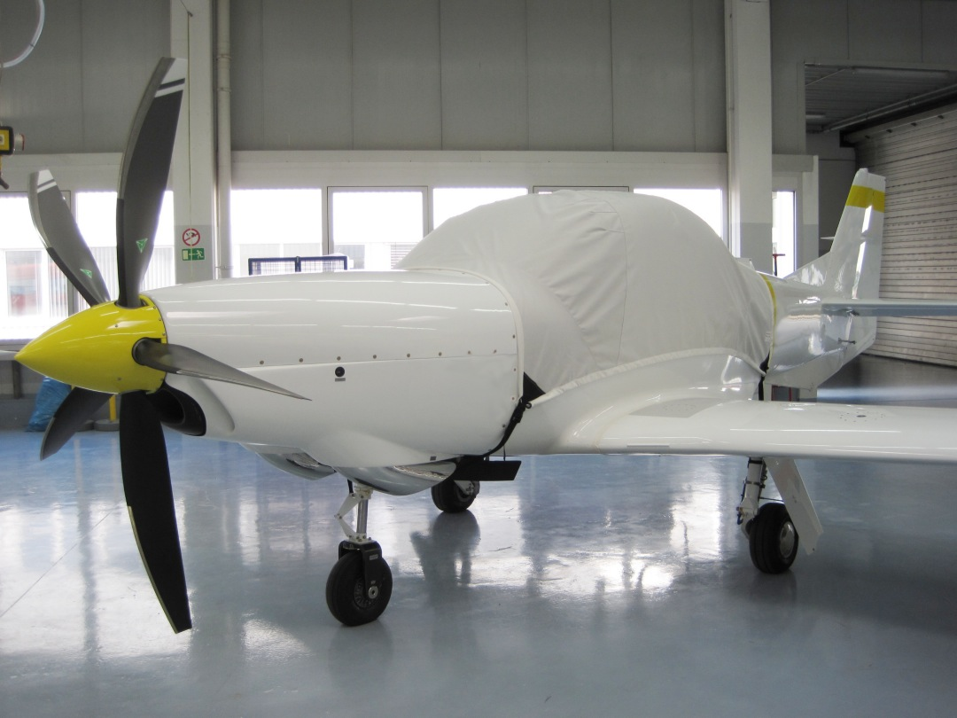 Grob 120TP Canopy Cover