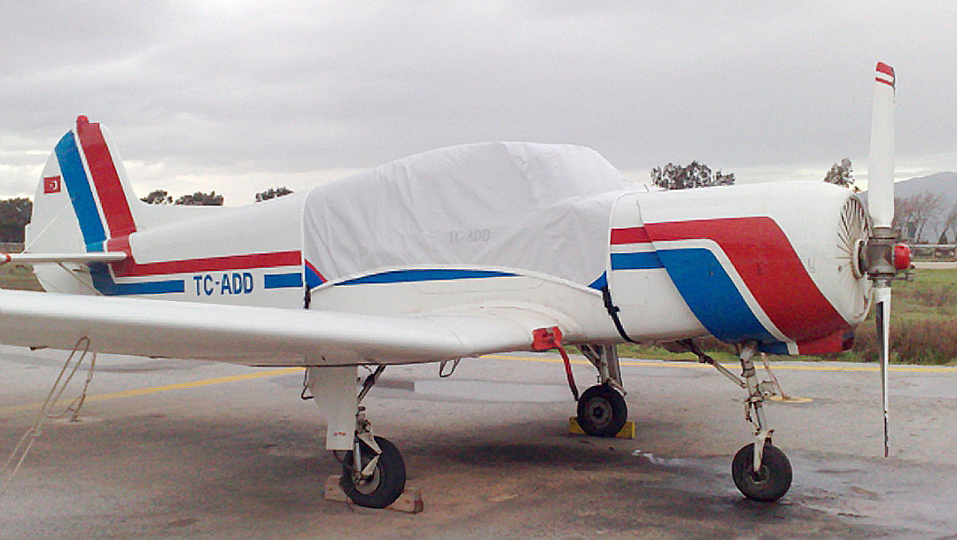Yak 18 Canopy Cover
